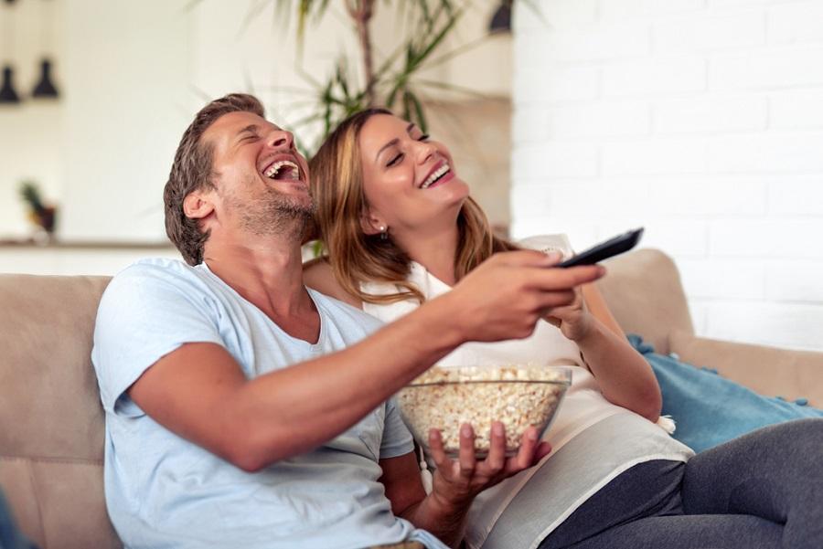 A hangprojektorok egyszerű megoldást kínálnak az otthoni multimédiás szórakozáshoz!